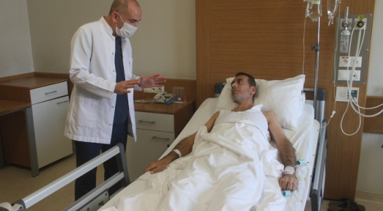 Karın ağrısı şikayetiyle doktora gitti, hayatının şokunu yaşadı