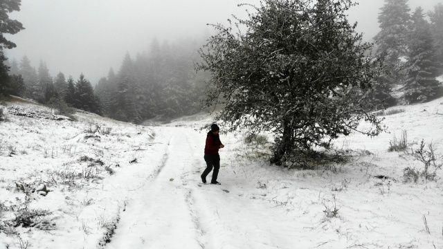 Her yer beyaza büründü! Kar kalınlığı 10 santimetreye ulaştı