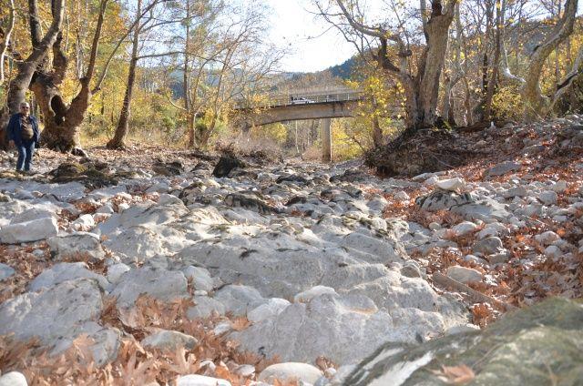 Antalya'da kuraklık nedeniyle Üzümdere Irmağı kurudu