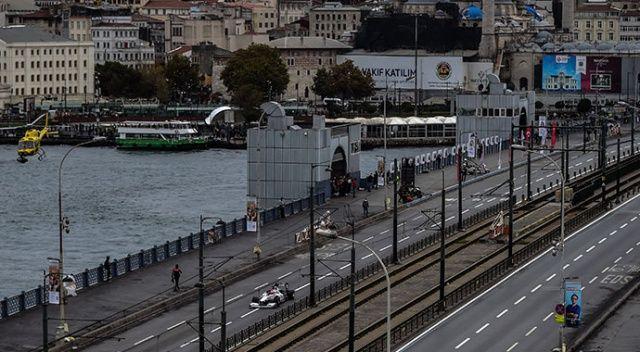 Hayran bıraktılar! Galata Köprüsünde Formula 1 şovu