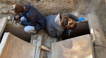 1500 yıllık mezar taşındaki o mesaj şok etti