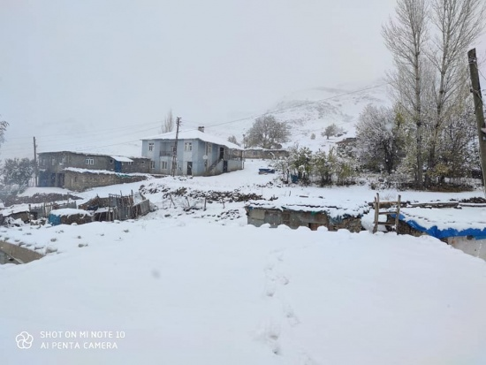 Lapa lapa kar yağdı..