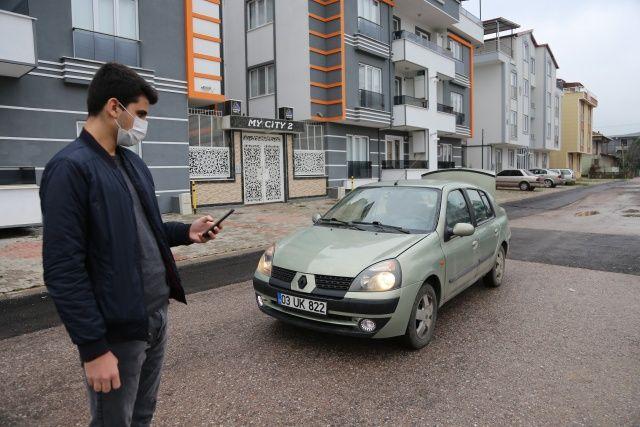 Lise öğrencisi, babasına ait 2003 model otomobili geliştirdiği yazılımla modifiye etti