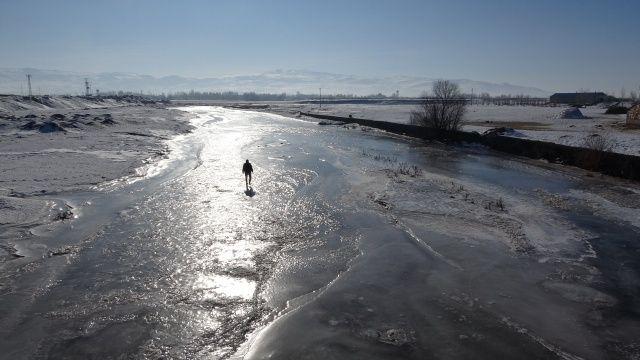 Doğu Anadolu adeta dondu! İki ilçe Sibirya'ya döndü