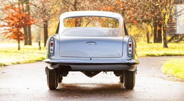 1960 model Aston Martin yarım halde 18 milyon liraya satılacak