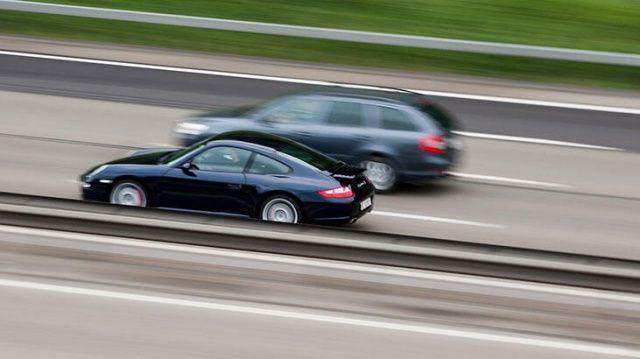 Fransa'da 88 yaşındaki sürücü 191 kilometre hızla radara takıldı