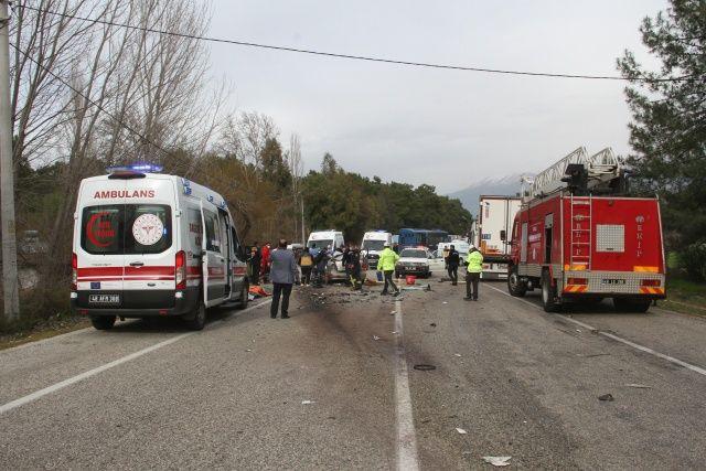 Fethiye-Antalya yolunda feci kaza: 5 ölü Türkiye Gazetesi - 1