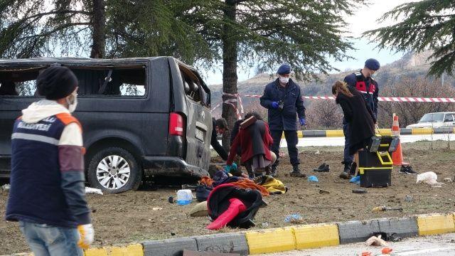 Isparta'da korkunç kaza! Ölü ve yaralılar var