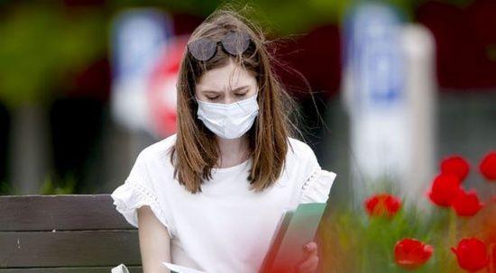 Çift maske kullanımında 'sivilce' tehlikesi