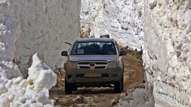 Bu kar tünelleri 8 metreyi aşıyor