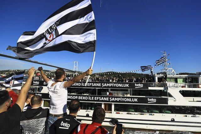 Beşiktaş zaferini kutluyor, Boğaz'da şenlik var