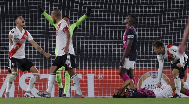 River Plate tarih yazdı: Kalecisiz ve yedek oyuncusuz kazandı