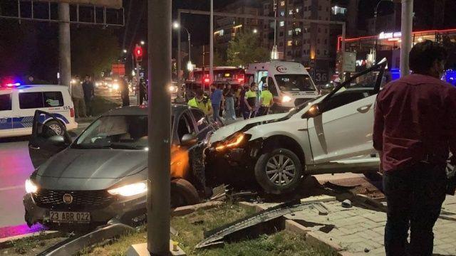 Kaza yaptı, sürücüye tamponla saldırdı