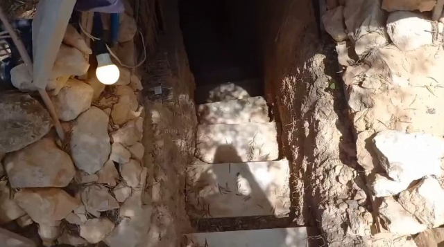 Ailesine kızdı, 6 yıl boyunca yeraltına kendi evini kazdı