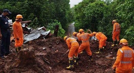 Hindistan'da sel felaketi: 136 kişi hayatını kaybetti