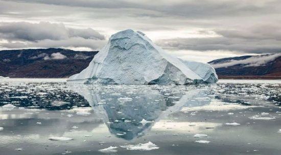 Grönland hızla eriyor: Son 2 günde 17 milyar ton buzul yok oldu
