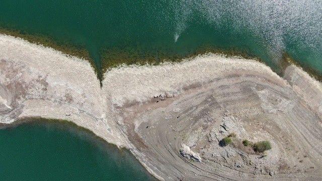 Baraj suları çekildi! Ürküten görüntüler ortaya çıktı