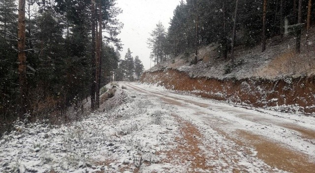 Meteoroloji günlerdi uyarıyordu... Kar yağışı başladı