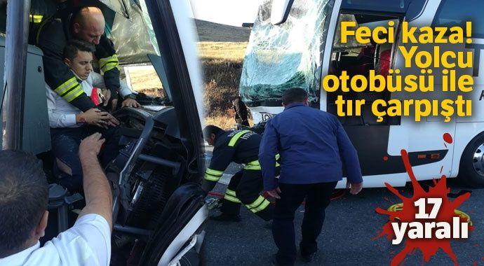 Feci kaza! Yolcu otobüsü ile tır çarpıştı: 17 yaralı
