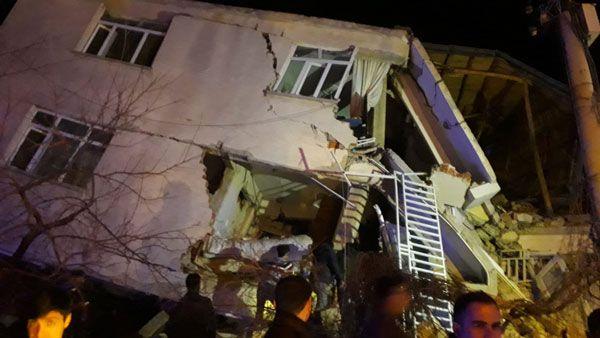 6.8'lik deprem ülkeyi vurdu