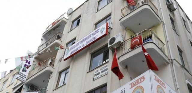 4 terörist HDP binasında yakalandı