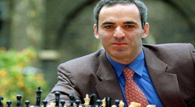 Kasparov'dan Putin'e eleştiri