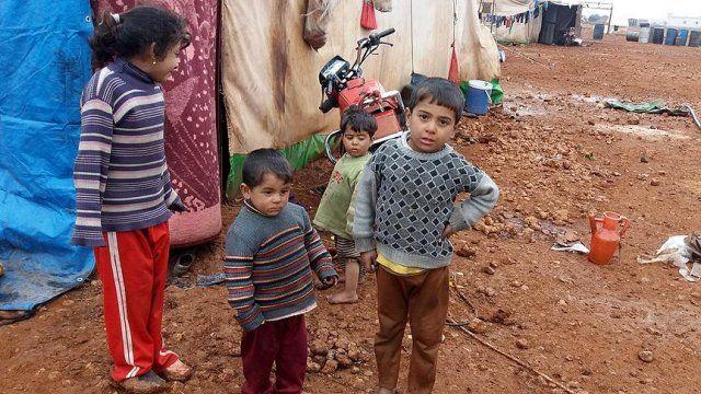 Rusya'nın yerinden ettiği Suriyeliler yaşam mücadelesi veriyor