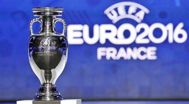 EURO 2016 finalini yönetecek hakem belli oldu