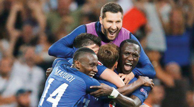 Fransız futbolcu Almaya'yı 2 golle yıktı, horozları finale taşıdı