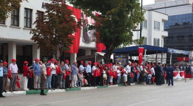 Bursa'da 30 Ağustos kutlamalarında askere yoğun ilgi
