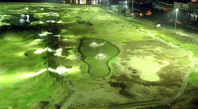 Dünyanın deniz dolgusuyla oluşturulan ilk golf kulübüne ilgi yağıyor