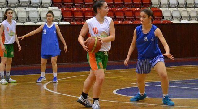 Amerikan Liseleri'ndeki ilk Türk kadın basketbolcu