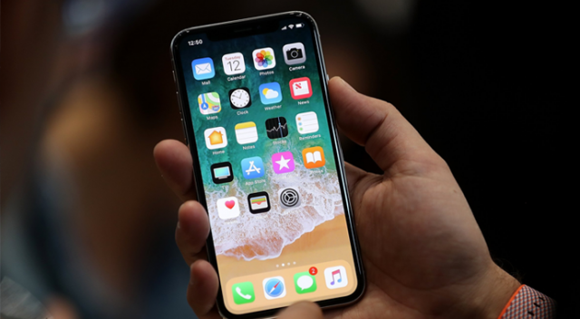 Apple'dan iPhone X itirafı