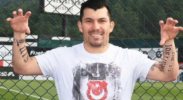 Medel, Beşiktaş'ta yaşadığı ilki ve kazanımları anlattı