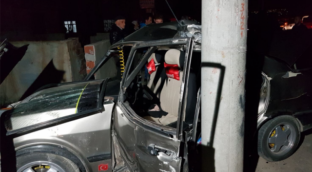 Tokat'ta otomobil aydınlatma direğine çarptı: 7 yaralı