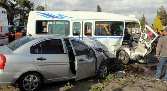 Antalya'da kaza:  8 yaralı