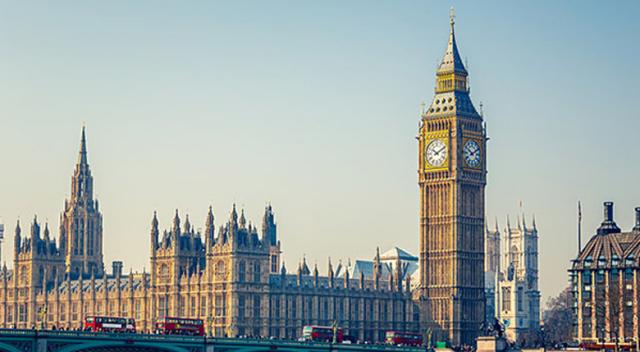 İngiltere parlamentosunda alarm! İki kişi hastaneye kaldırıldı