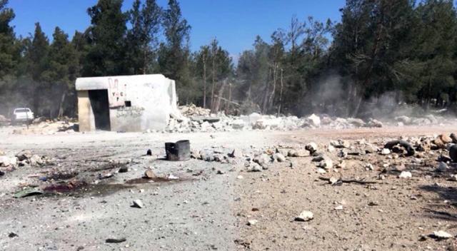 Türk jetleri, YPG'ye yardıma gelen Esad yanlısı militanları vurdu