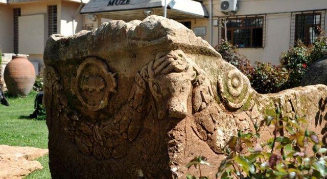 Adıyaman'da Roma dönemine ait lahit bulundu