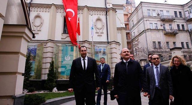 Bakan Soylu, Kiev Yunus Emre Enstitüsünü ziyaret etti