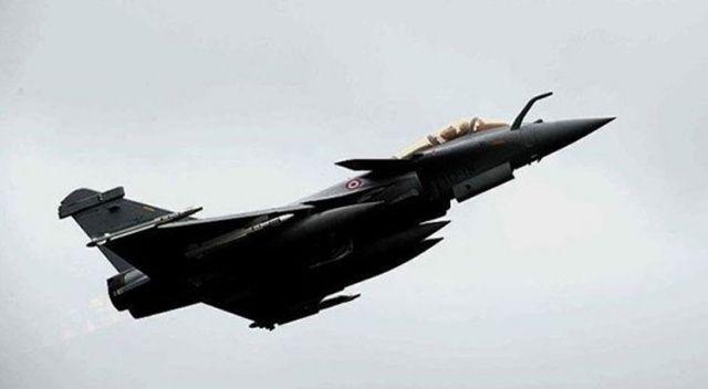 Fransa'da savaş uçağı yanlışlıkla bir fabrikayı bombaladı