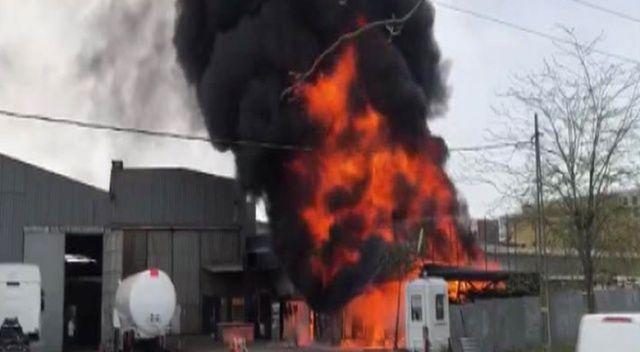Sancaktepe'de yangın! Plastik fabrikası alev alev