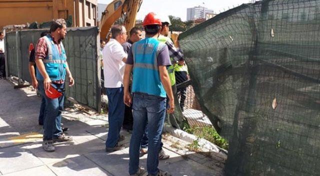 20 metreden inşaat temeline uçtular! Vinçle çıkarıldılar...