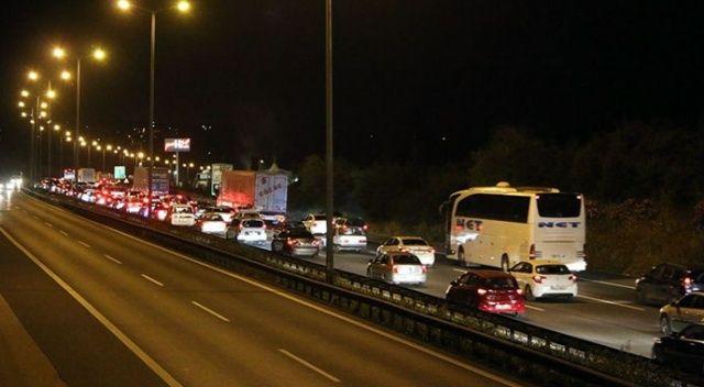 Bayram öncesi İstanbul çıkışında yoğun trafik