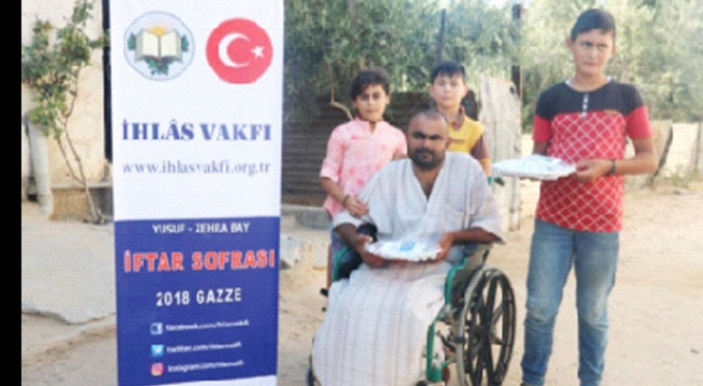 İhlâs Vakfından Gazze'de iftar