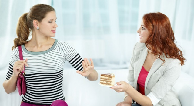 İkramda misafire aşırı  ısrar hasta edebilir