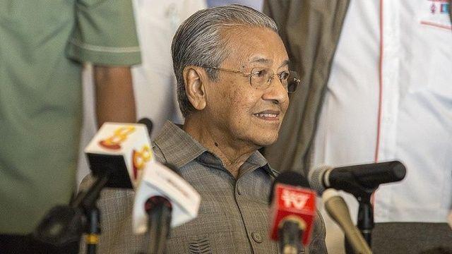 Malezya Başbakanı Mahathir'den Necip Rezak açıklaması