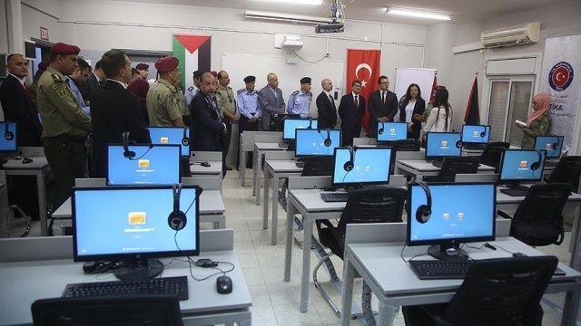 TİKA'dan Filistin Askerî Eğitim Merkezine yabancı dil laboratuvarı