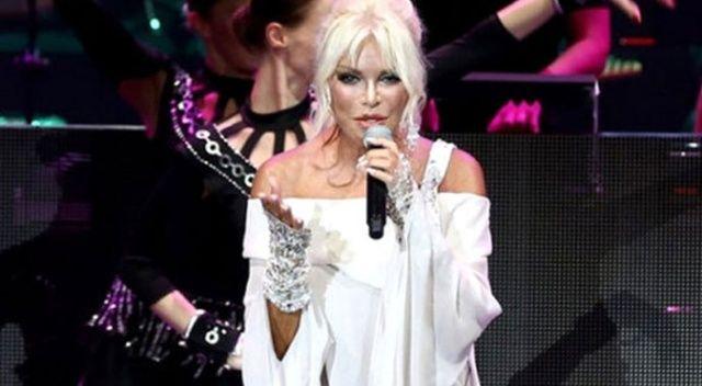 Ajda Pekkan konserinde skandal olay
