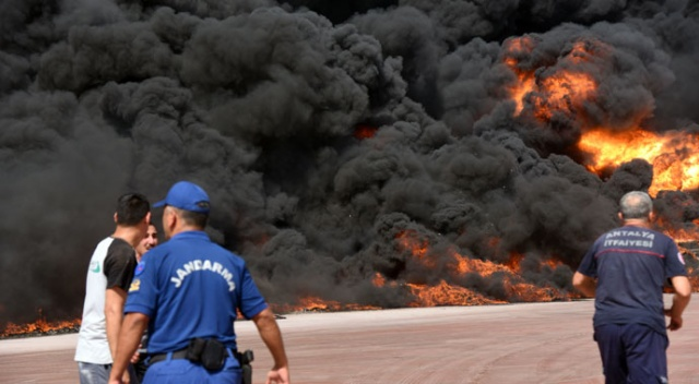 Antalya'da fabrikada yangın! Ekipler olay yerinde...